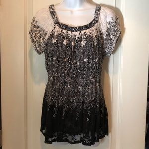 NWOT DRESS BARN LACE TOP, SIZE SMALL